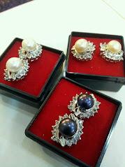 Subang Diamond, 3 warna mutiara (PUTIH,PEACH DAN HITAM)