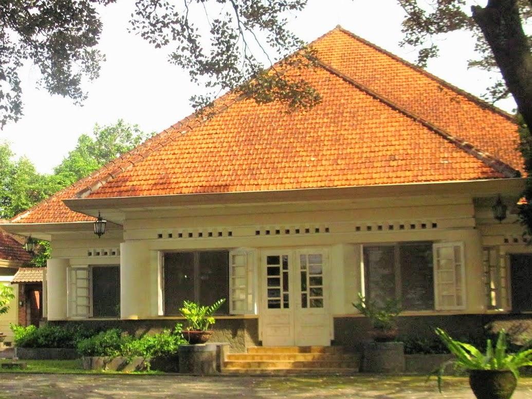 rumah klasik belanda