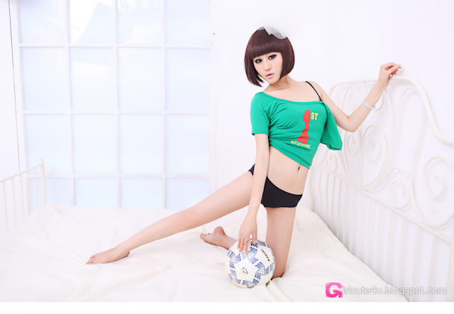 1 Football baby-Very cute asian girl - girlcute4u.blogspot.com