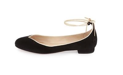 Valentina Carrano black low heel shoes