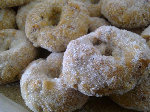 Roscos de Amaretto con avellanas