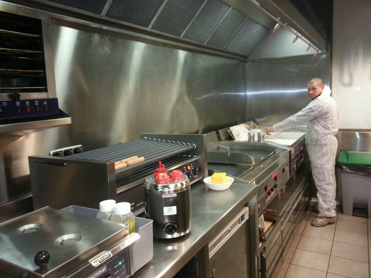 Instalacion de campana de seis filtros extremadura naves for Instalacion cocina industrial