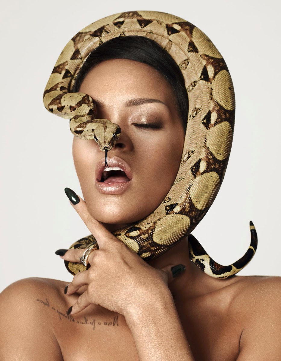 http://2.bp.blogspot.com/-7BGduOYj4-k/Up00tVx-IHI/AAAAAAACKn8/5XomQ8-30yI/s1600/Rihanna-Mariano.jpg