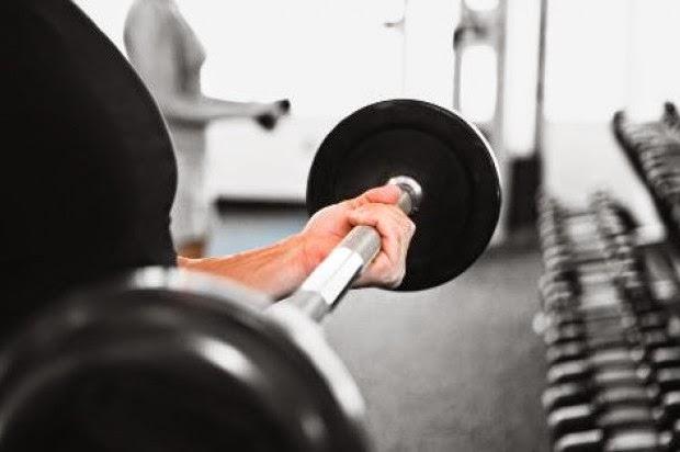 Advierten exceso en levantamiento de pesas causa insuficiencia renal