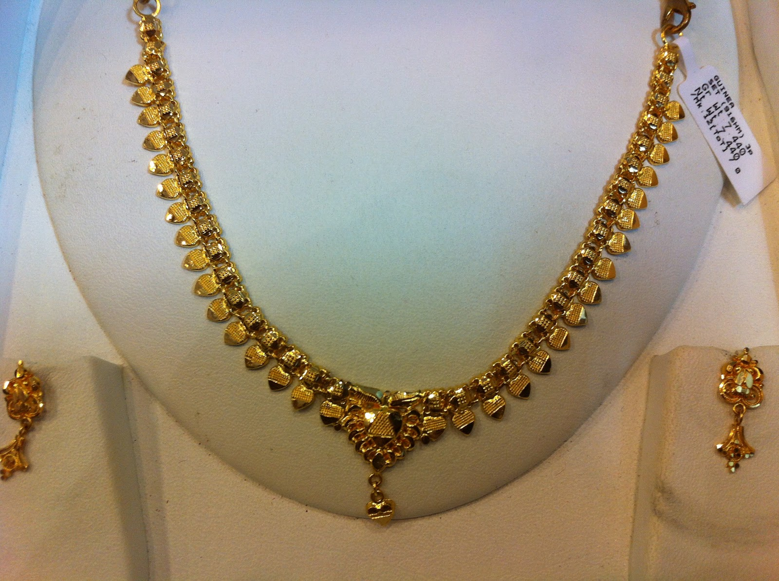 Guinea The Hallmark Jewellers Light Weight Necklace Sets