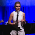 "Frozen Star Kristen Bell Sings ""Want To Build A Snowman"" Live"
