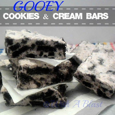 With A Blast: Gooey Cookies & Cream Bars {3 ingredients} #nobake #bars #cookies #3ingredient