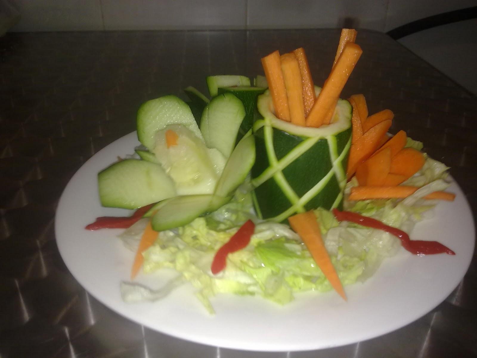 Para ver y comer decoraciones para comidas y cenas especiales for Decoracion de ensaladas