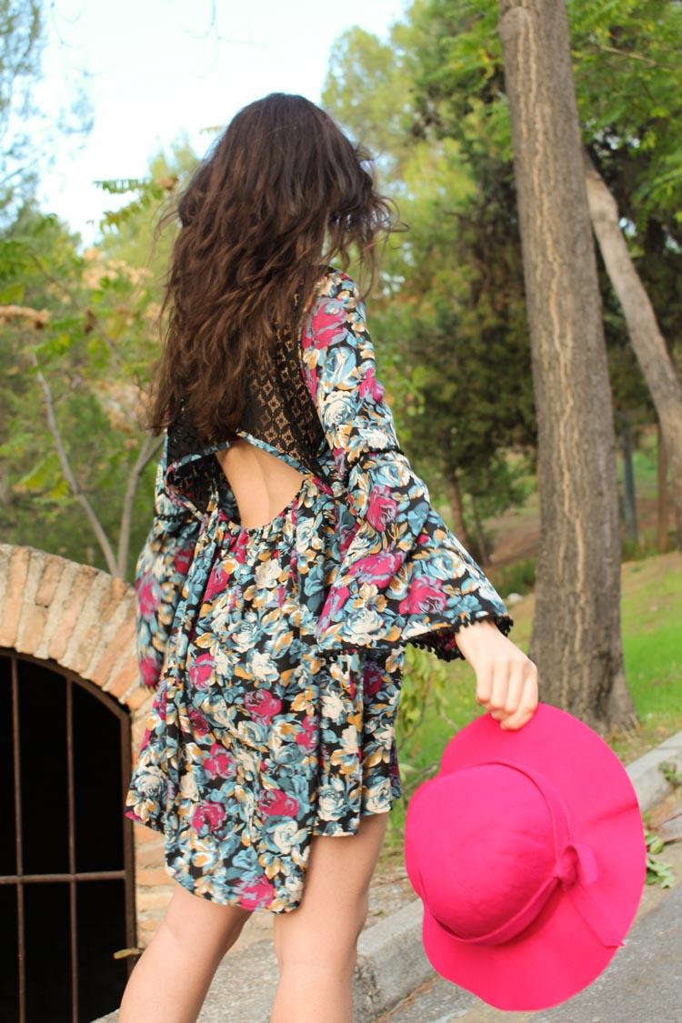 long sleeve backless flower dress, burgundy hat
