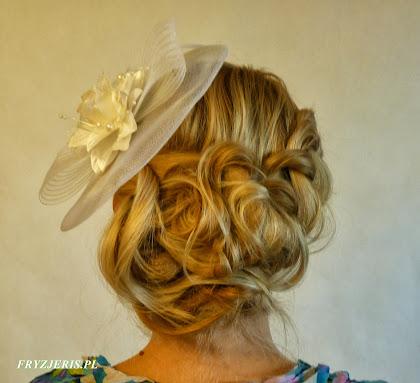fryzura ślubna - toczek