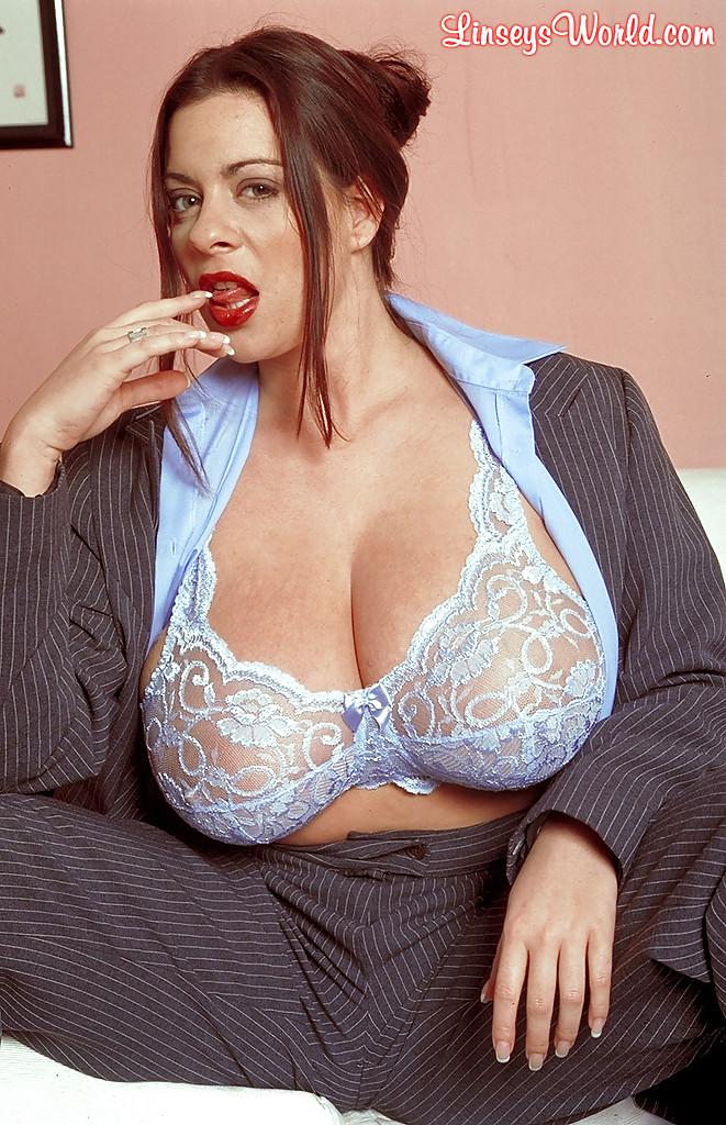 фото дам с агромнай грудью