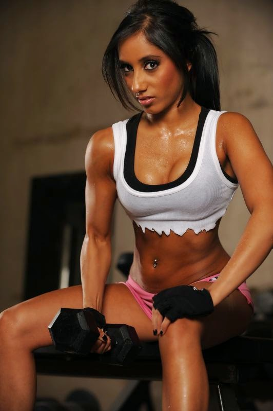 Narmin Assria-fitness models women-beautiful fitness models