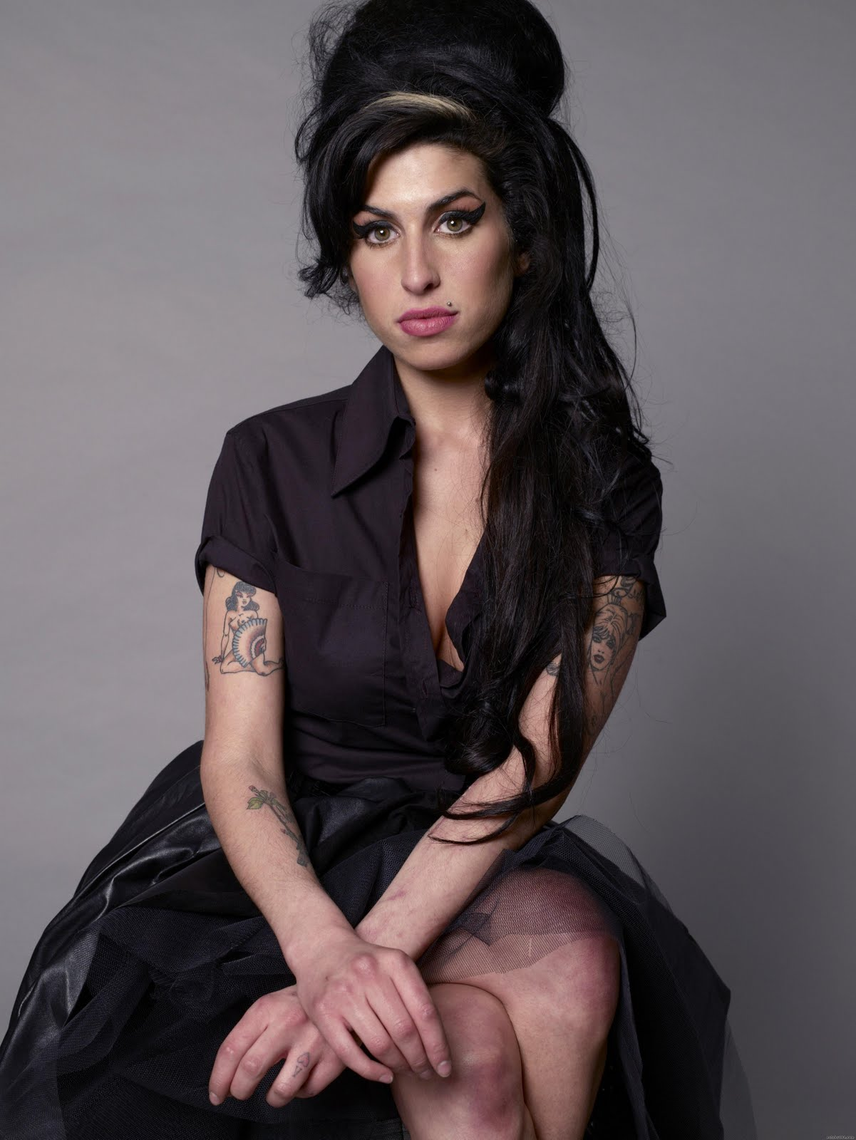 Amy Jade Winehouse ~ Enjoy With Us Amy Winehouse