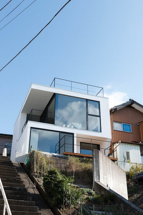 Vista the Hill House by APOLLO Architects