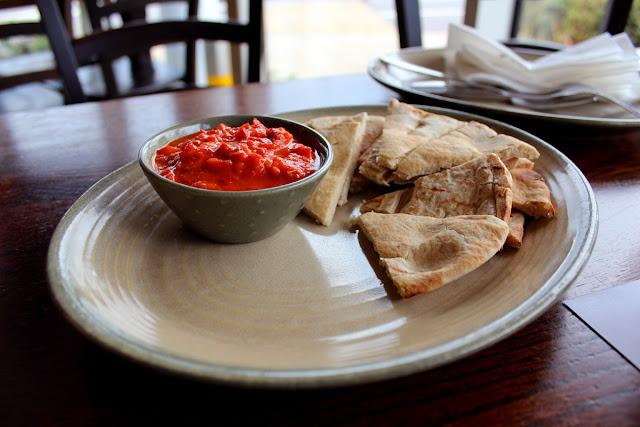 pitta bread with tomato