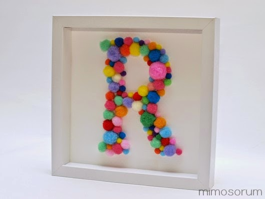 Inicial con pompones para decorar - Diy: monogram art