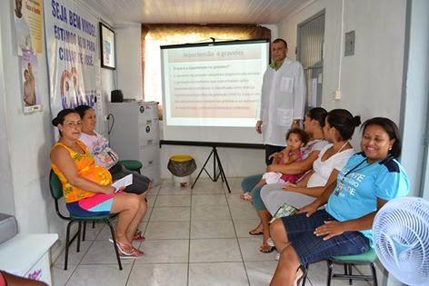 SAÚDE: Palestra para o Grupo de Gestantes com o Dr. Lorenzo no Posto de Saúde da Olaria