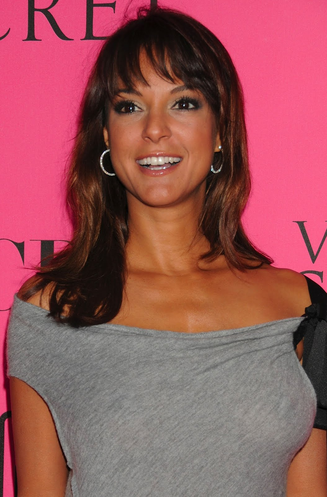 larue hindu single men Eva larue dating history, 2018, 2017, list of eva larue eva larue is currently single maybe eva`s love luck is not really for men too.