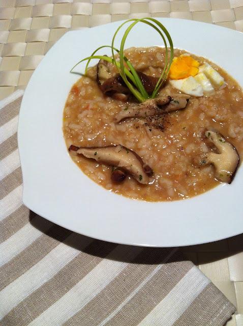 Sopa de arroz, castañas y setas