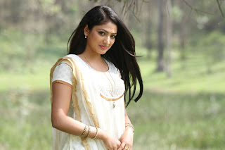 Haripriya Pictures from Vaarayo Vennilave Movie 006.jpg