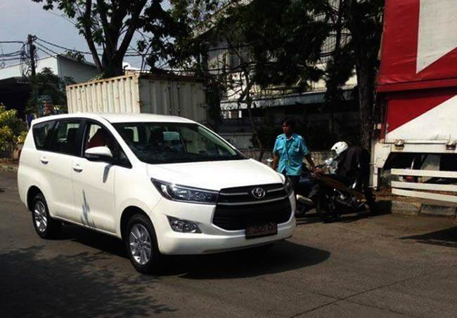 New Toyota Innova Spotted on Indonesian Roads