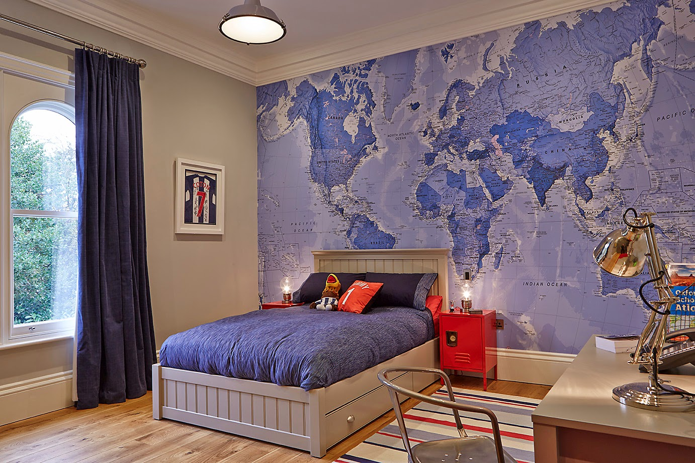 Madhouse family reviews giveaway 473 win a world map mural after all this beautiful sunny weather that weve been having lately ive got my sights firmly fixed on the summer holidays and have been idly dreaming gumiabroncs Choice Image