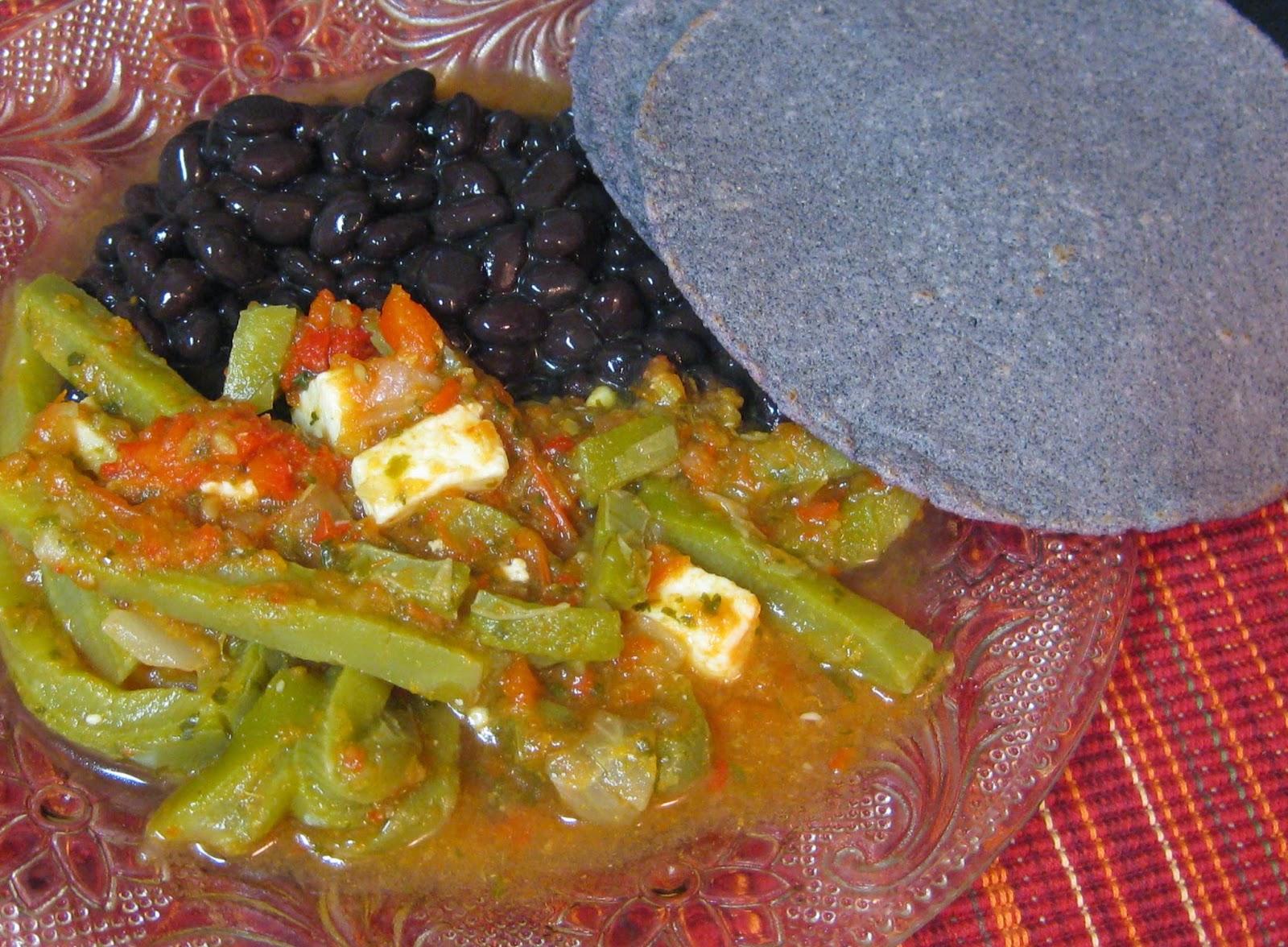 Mama tex mex receta de comida mexicana nopales en salsa - Que hacer de comer facil y rapido ...