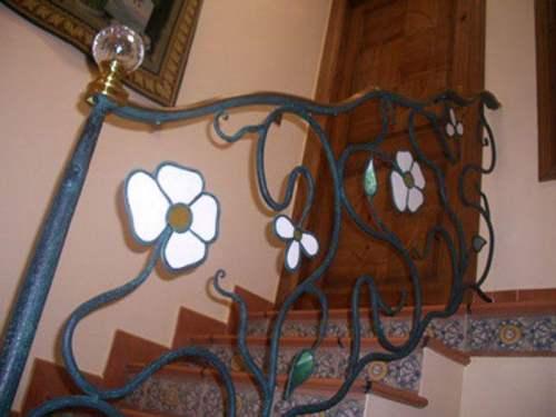 Blog dekogama como decorar una escalera - Adornos de pared de forja ...