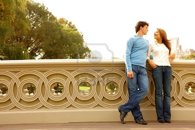 http://2.bp.blogspot.com/-7DjS_5SNtyQ/TlqsAxlDgdI/AAAAAAAAAfA/Ir6ROLO8jrc/s400/4530779-romantic-couple-standing-on-bridge.jpg