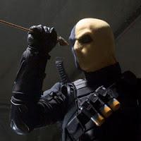 Manu Bennet interpreta a Slade Wilson, la identidad civil de Deathstroke en Arrow