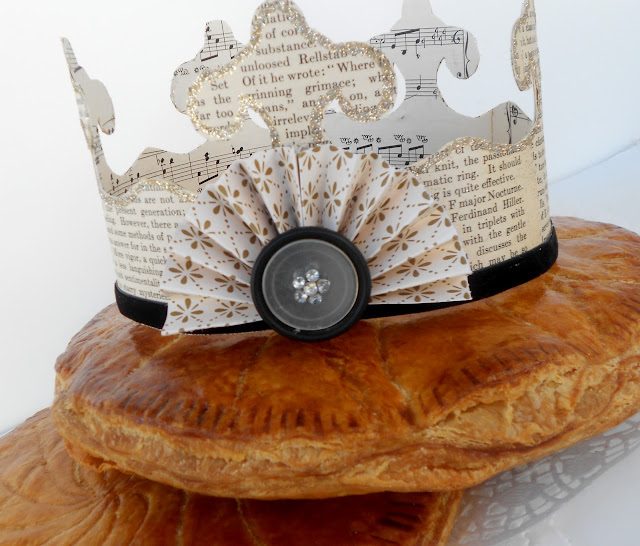 http://2.bp.blogspot.com/-7DmUC7cOBfc/TwcuMiVZUJI/AAAAAAAAIk0/txswUtVwUTY/s640/King_cake_galette_des_rois+029.JPG