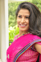 O Manasa Evarikosam Sruthi Hot Photos