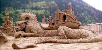 32 κάστρα κατασκευασμένα αποκλειστικά από άμμο