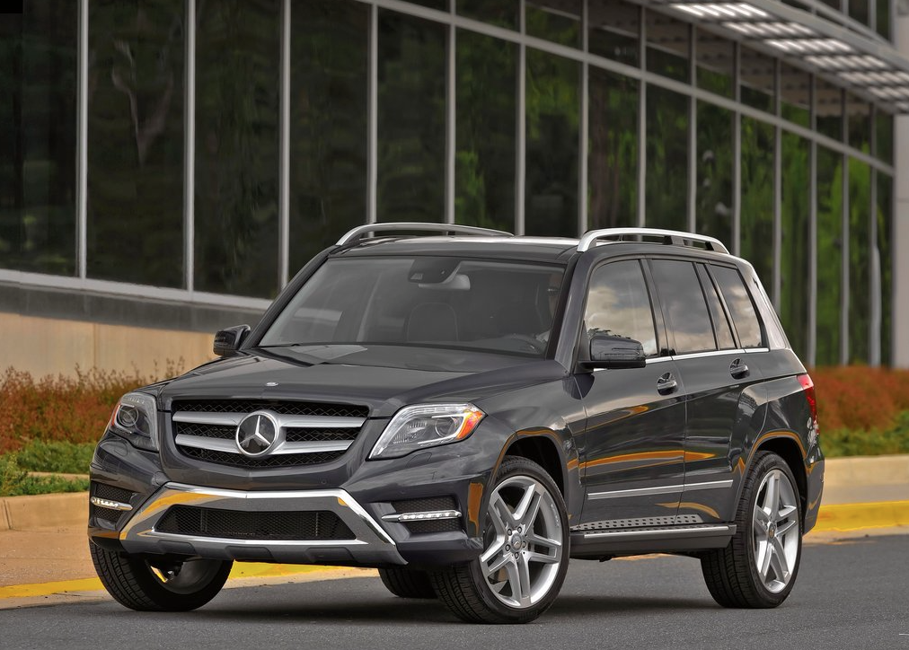 Small and midsize luxury suv sales in canada july 2015 for Expensive mercedes benz suv
