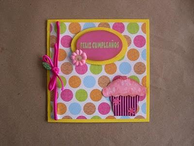 Postales con papel de regalo por Recicla Inventa