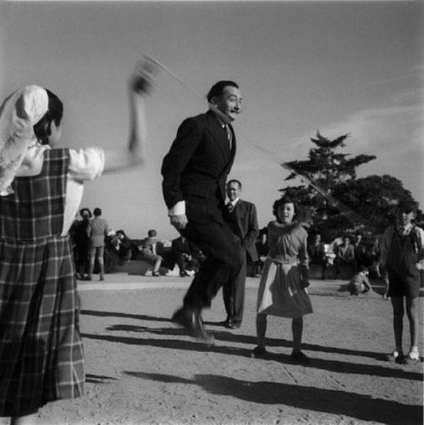 Fotografias a preto e branco de celebridades - Salvador Dali