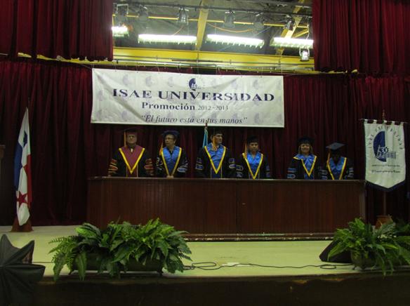 ... : Ceremonia de graduación de la sede Panamá de ISAE Universidad