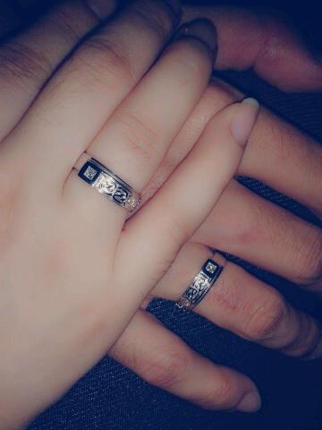 Gambar Tangan Cincin Tunangan Emas Ragam Cincin