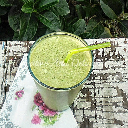 Green ELVIS Smoothie ~ Delicious Banana-Peanut Butter Smoothie which the kids would love as well! #Smoothies #GreenSmoothies #HealthyRecipe