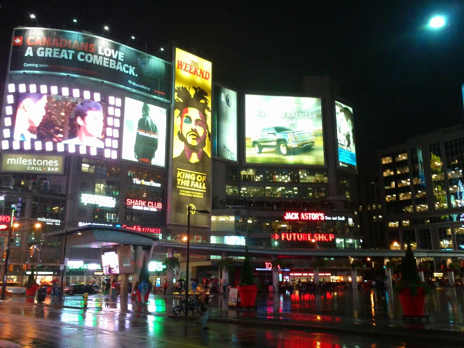 Yonge Dundas Square at Night (Raining)