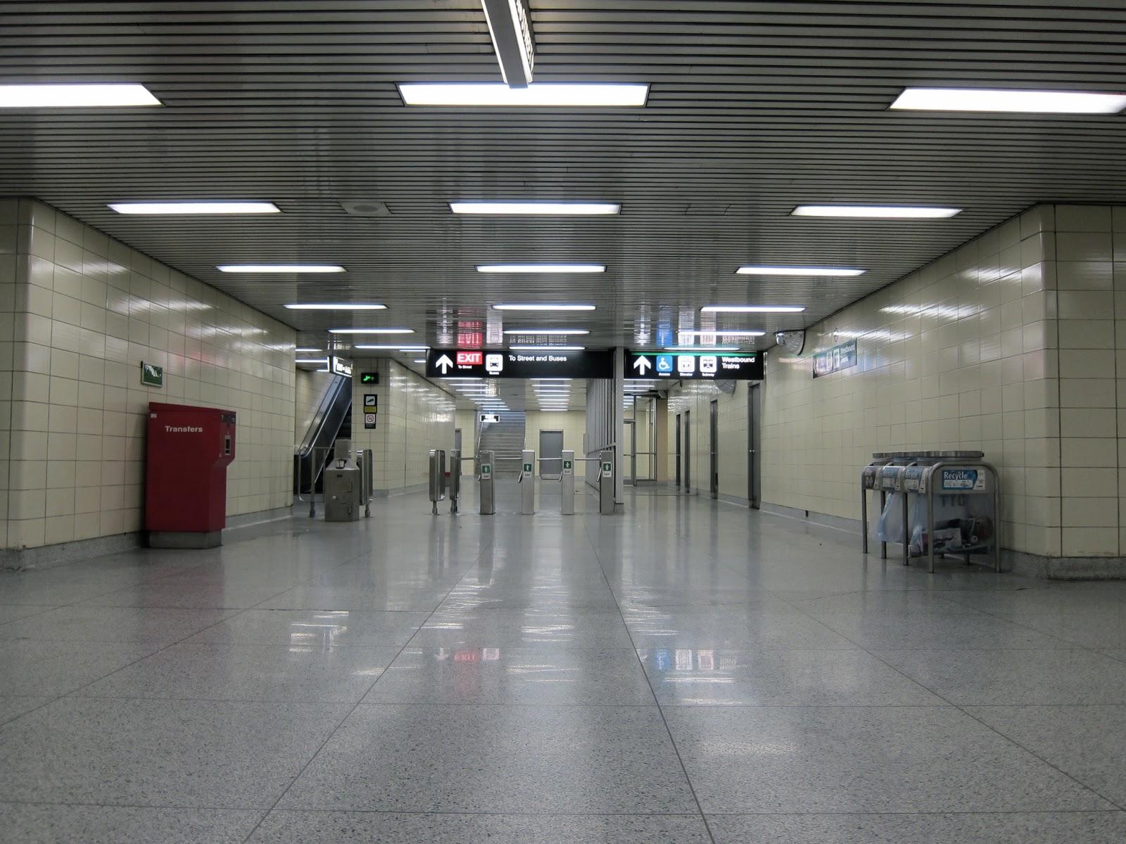 Jane station mezzanine.