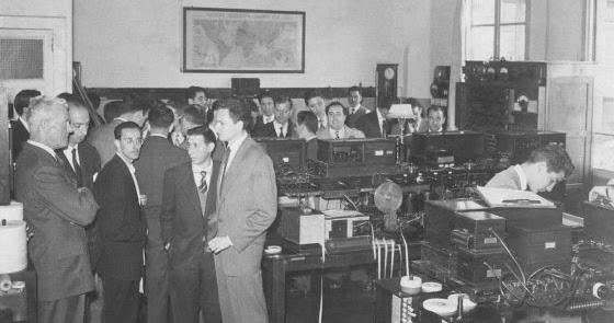 Mem ria repressi franquista vigo base da comunicaci n nazi for Oficina de correos vigo