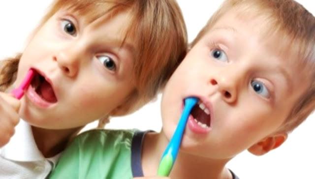 12 Dicas para estimular as crianças a escovarem os dentinhos
