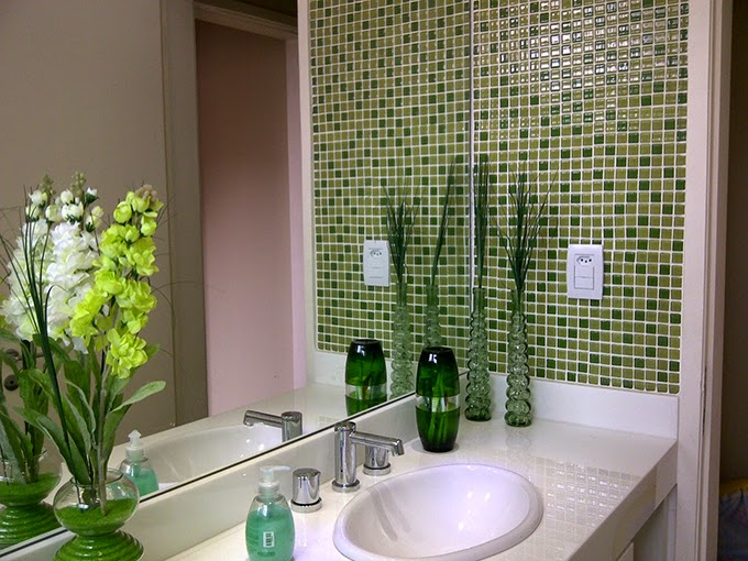 Banheiros com pastilhas  37 modelos decorados  Decor Alternativa -> Banheiro Com Acabamento Em Pastilhas