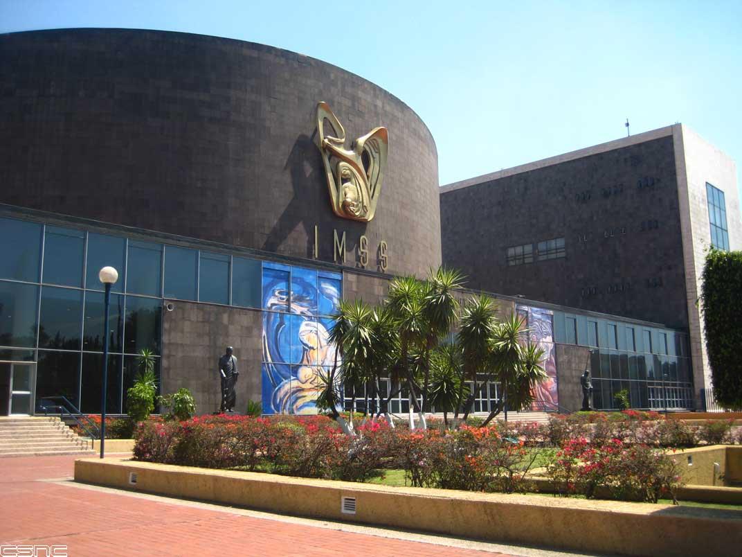 Disquedf centro m dico siglo xxi frisos escult ricos murales y el homenaje al rescate - Centro deportivo siglo xxi zaragoza ...
