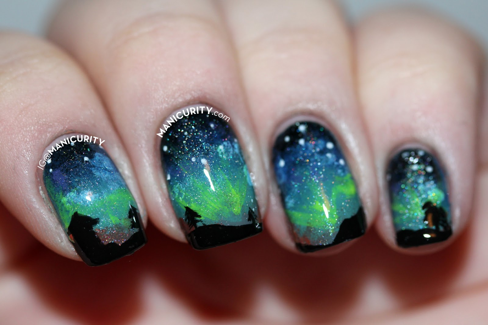 The Digit-al Dozen: Aurora Borealis Nail Art - The Northern Lights Nails | Manicurity.com