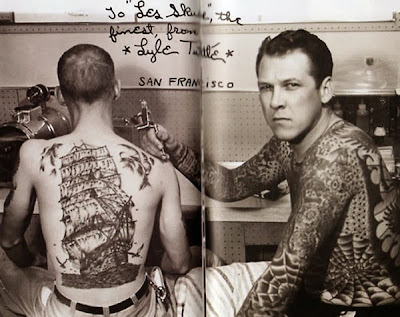 tattoo antiga caravela