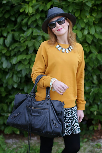 outfits, mustard sweatshirt, ecua-andino panama hat, black panama hat, fashion and cookies, fashion blogger
