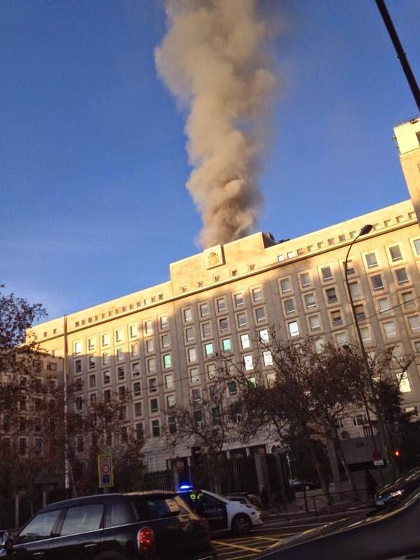 Incendio ministerio defensa madrid el eco de canarias for Ministerio de defenza