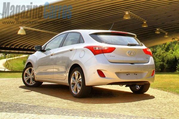 Novo+Hyundai+i30+2013+TRASEIRA